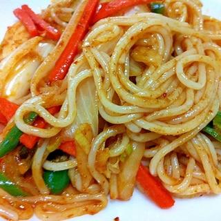 お野菜たっぷり!トムヤム風味の太麺ビーフン
