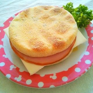 簡単朝ごはん♪ハムチーズイングリッシュマフィン♡