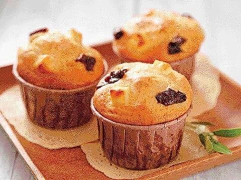 楽天マート☆プルーンとクリームチーズのカップケーキ