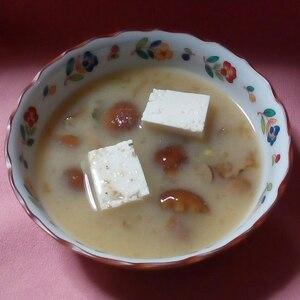 お豆腐のお味噌汁でイソフラボンをとりましょう