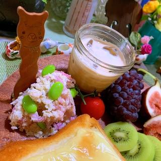 ツナ缶詰と酢玉ねぎと枝豆のおからポテサラ風