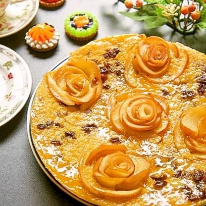 リンゴの薔薇が素敵♪もちもちがクセになる絶品ケーキ