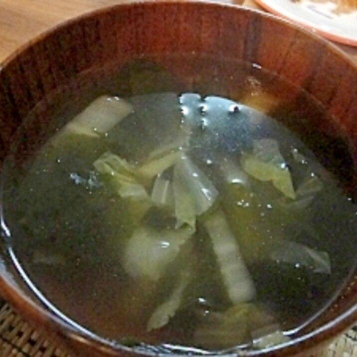 白菜とワカメのピリ辛スープ