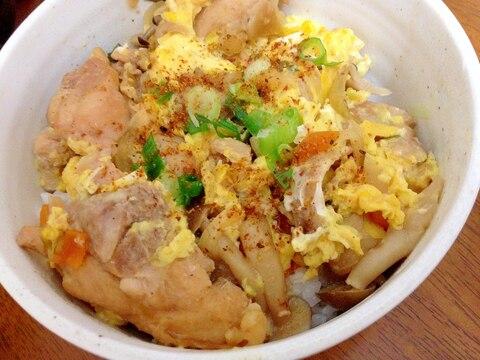 鶏ももとしめじ人参玉葱の親子丼