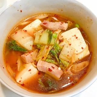 ボリューム満点♪厚切りハムと白菜の豆腐チゲ
