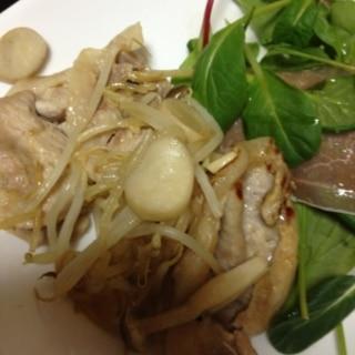 キノコと豚肉の塩麹焼き