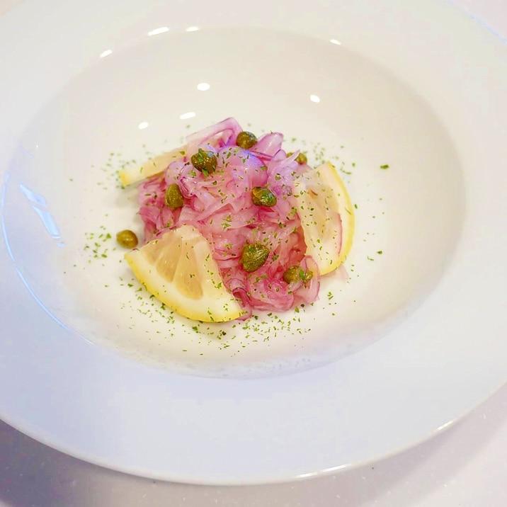 食卓に華やぎを添える!紫玉ねぎの塩レモンマリネ