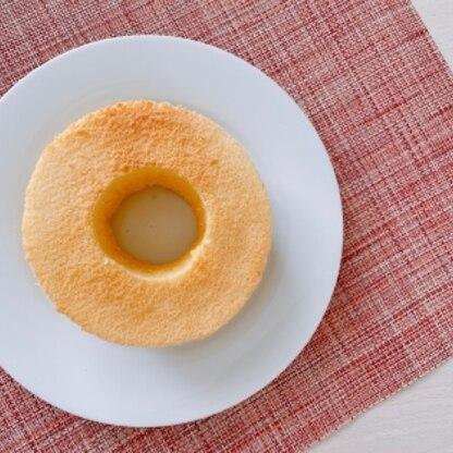 はじめてのシフォンケーキ、思ったより上手に出来ました!ふわふわで美味しい♡また作ります。
