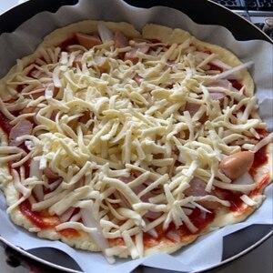フライパンで時短☆クリスピー☆ミックスピザ♪