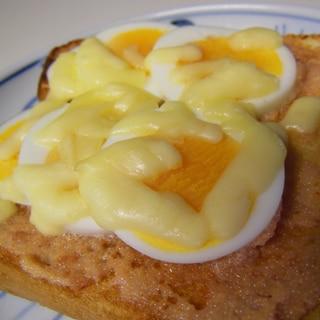 明太マヨの卵チーズトースト