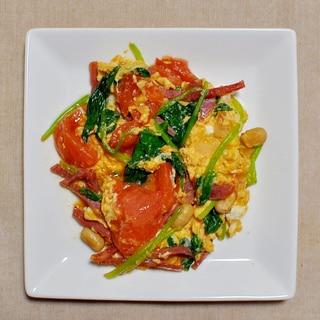 トマトとサラダほうれん草の卵炒め