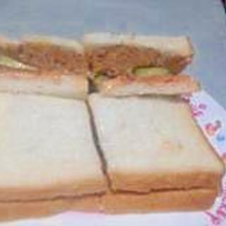 食パンで簡単ハンバーガー
