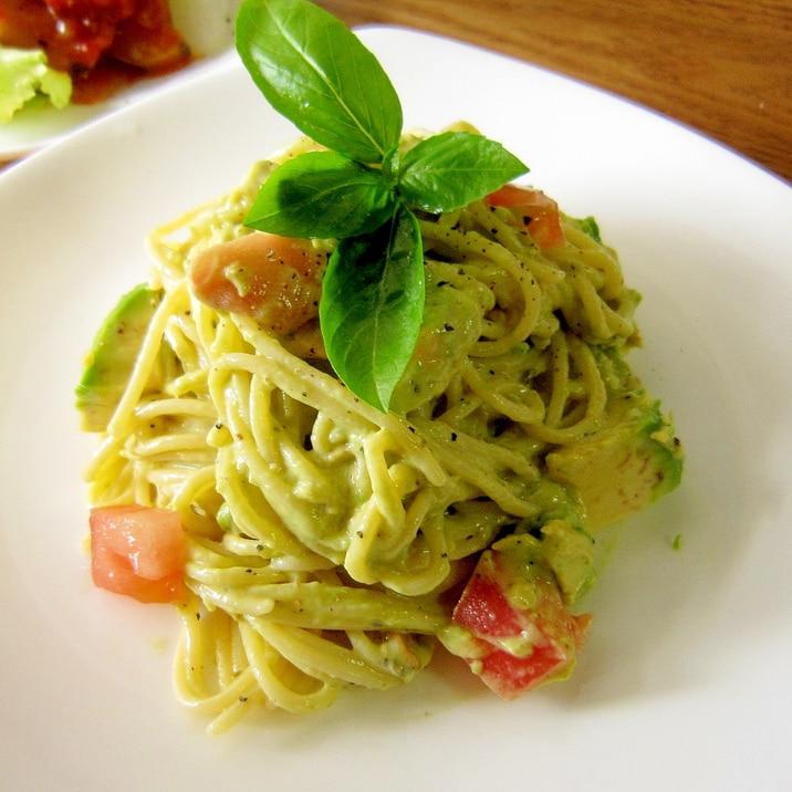 簡単☆トマトとアボカドの冷製パスタ