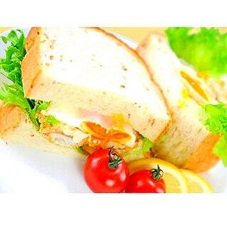 白身魚フライのサンドイッチ
