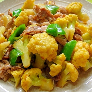 オレンジカリフラワーと豚肉の中華炒め