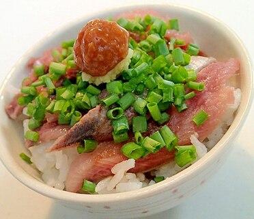 W醤油・生姜で 鰯の刺身と葱の丼