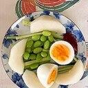 胡瓜、梨、ゆで卵、枝豆のサラダ