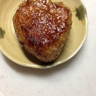 焼肉のタレで(*^^*)焼きおにぎり☆