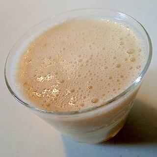 ヨーグルトと乳酸菌飲料で 和風バナナジュース