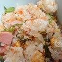 鮭とレタスとベーコンのチャーハン