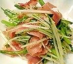 春菊と水菜のピリカラ黒こしょう炒め