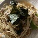 野菜とエノキと鶏胸ミンチのニンニク醬油パスタ