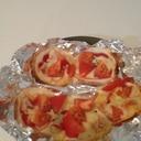 簡単!餃子の皮でマルゲリータ風ピザ♪
