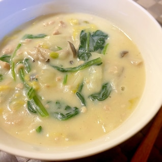 白菜とほうれん草の豆乳クリームシチュー