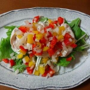 蒸し鶏と野菜のカラフルサラダ