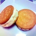 トマトアイスのクッキーサンド