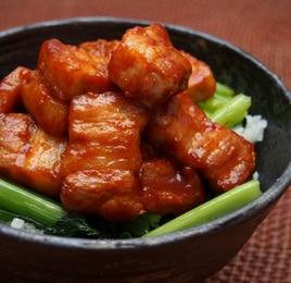 ピリ辛豚丼