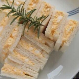 砂糖とバターがきめて 喫茶店に負けない卵サンド