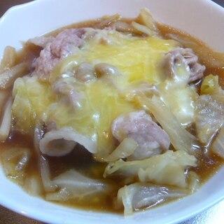 キャベツと豚肉の蒸し煮!チーズ乗せ!