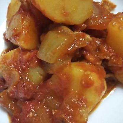 じゃがいもとトマト缶がいっぱいあったので作りました!美味しいです☆