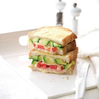 アボカドとチーズのトーストサンド