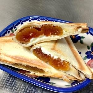 干し柿とクリームチーズのホットサンドイッチ