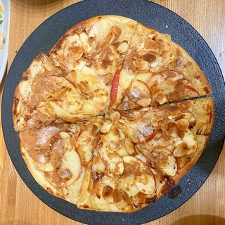 自家製生地で作る!アップルカスタードピザ