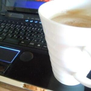 コーヒーにヴァニラアイスとシナモン