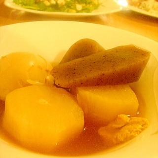 スロークッカー放置、卵と大根こんにゃく味がジワー。