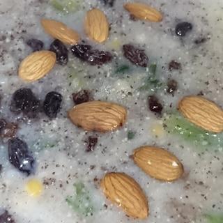 奶油燉小扁豆玉米おから菠菜チア荏胡粉葡萄杏仁果玄粥