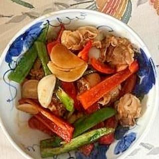 ベビー帆立、ピーマン、パプリカ、にんにくの炒め物