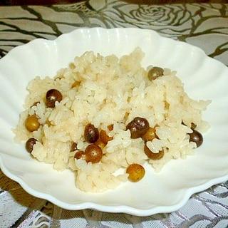 炊飯器で簡単☆洋風むかごご飯(バター醤油味)♪
