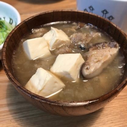 長ネギを玉ねぎに変えたところつみれが崩れてしまいましたが、味はとても美味しくできました(^^)レシピありがとうございます
