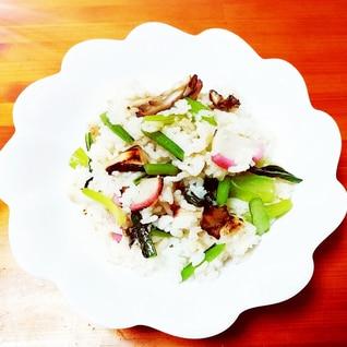 オリーブ&スパイス風味♪舞茸と春菊の炒飯