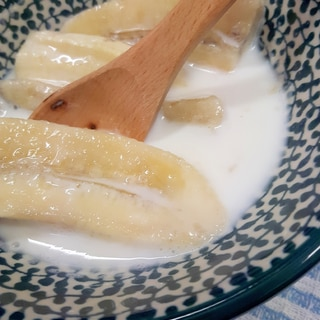 ココナッツミルクとバナナのデザートinタイ王国♪