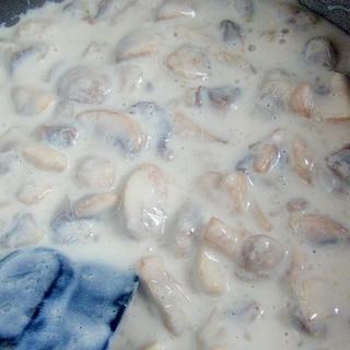 白いマッシュルームソース