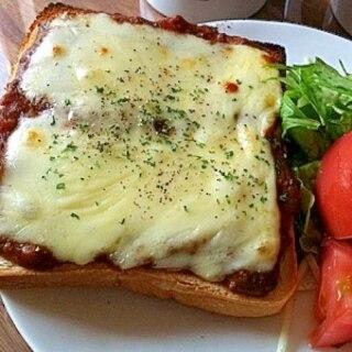残り物で!!カレーチーズ食パン