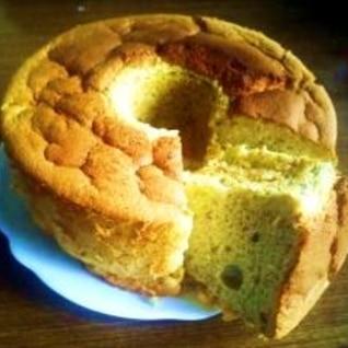 卵まるごと1個使用! ふわふわバナナシフォンケーキ
