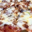 パパの手作りピザ(^^)/ソースは焼肉のタレ