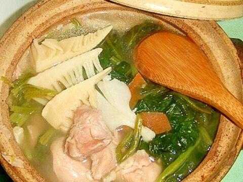 鶏スープが絶品!〆まで美味しいひとり鍋!